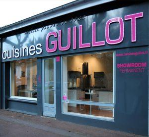 Showroom, photo de la façade des Cuisines Guillot